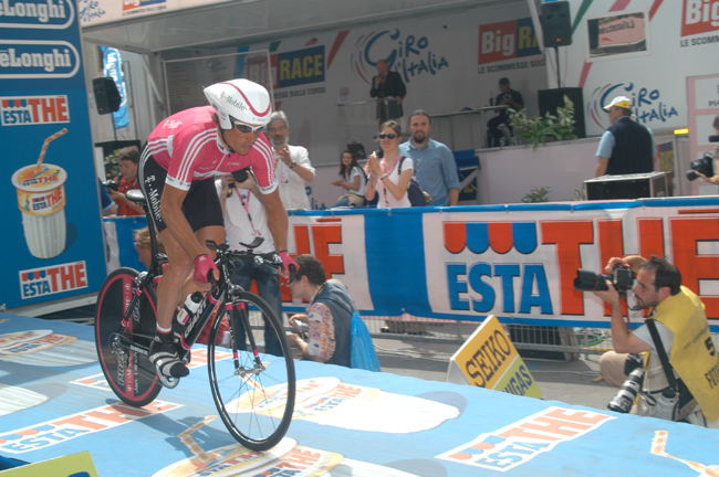 Ullrich starts the 2006 Giro stage 11 time trial