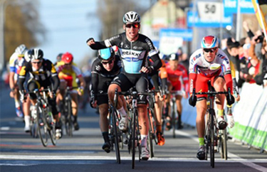 Mark Cavendish wins Kuurne-Brussel-Kuurne