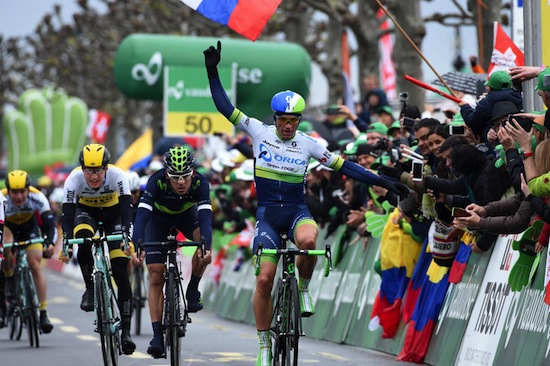 Michael Albasini wins stage 5