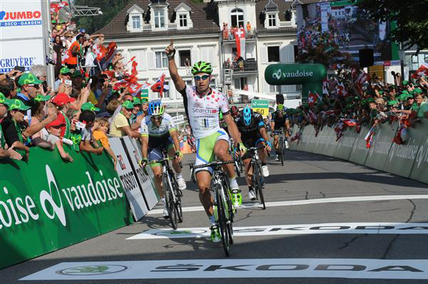 Peter Sagan wins stage 3