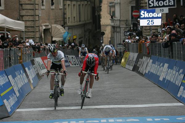 Garzelli takes second in stage 6
