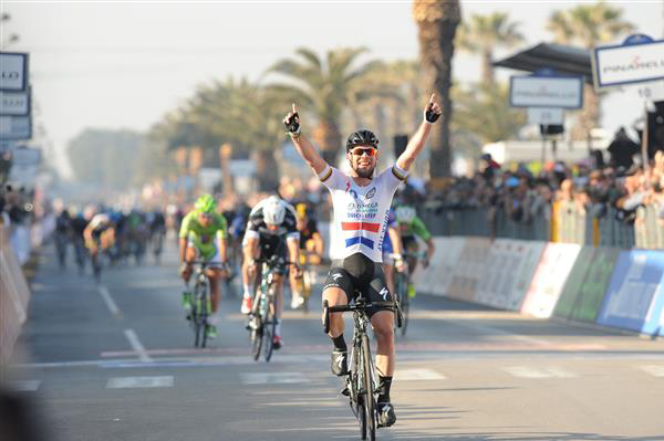 Mark Cavendish wins stage 6