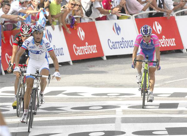 Sandy Casar wins stage 9