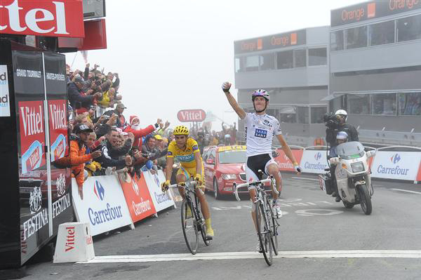 Andy Schleck wins stage 17