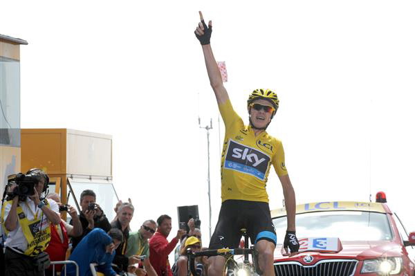 Chris Froome wins stage 15