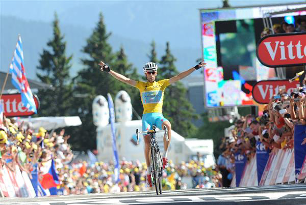 Vincenzo Nibali wins stage 13