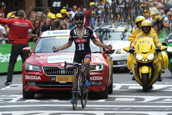 Simon Geschke wins Tour stage 17